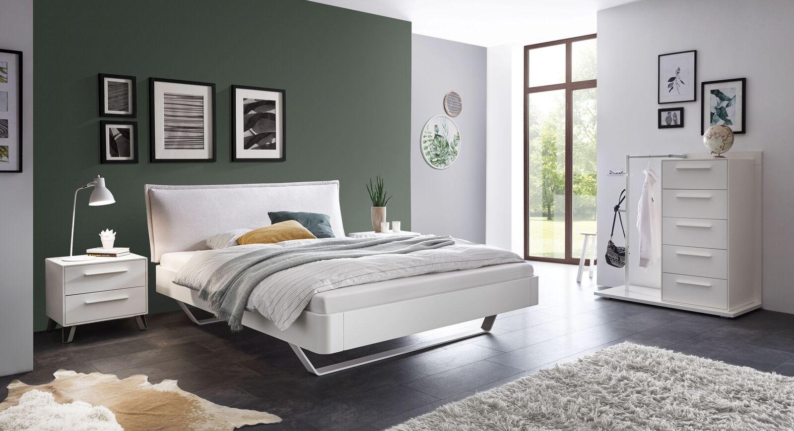 Bett Cilona mit passenden Schlafzimmermöbeln