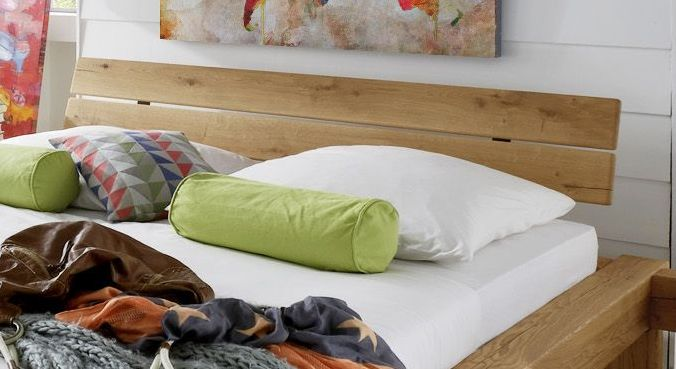 Bett Corumba mit zweigeteiltem Kopfteil
