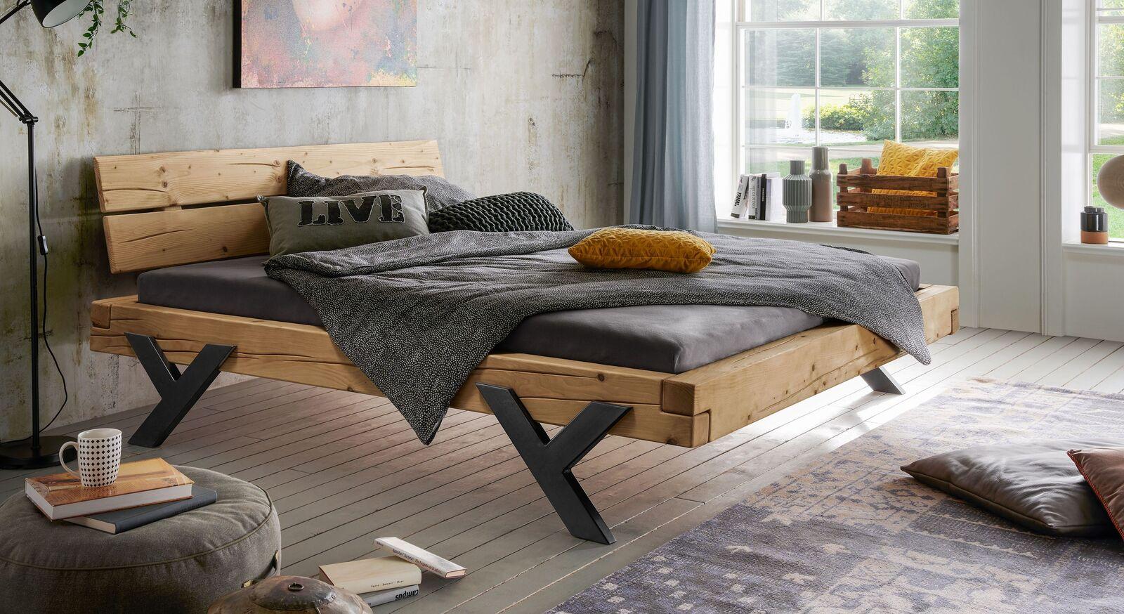 Bett Cuamba in 140 cm Breite