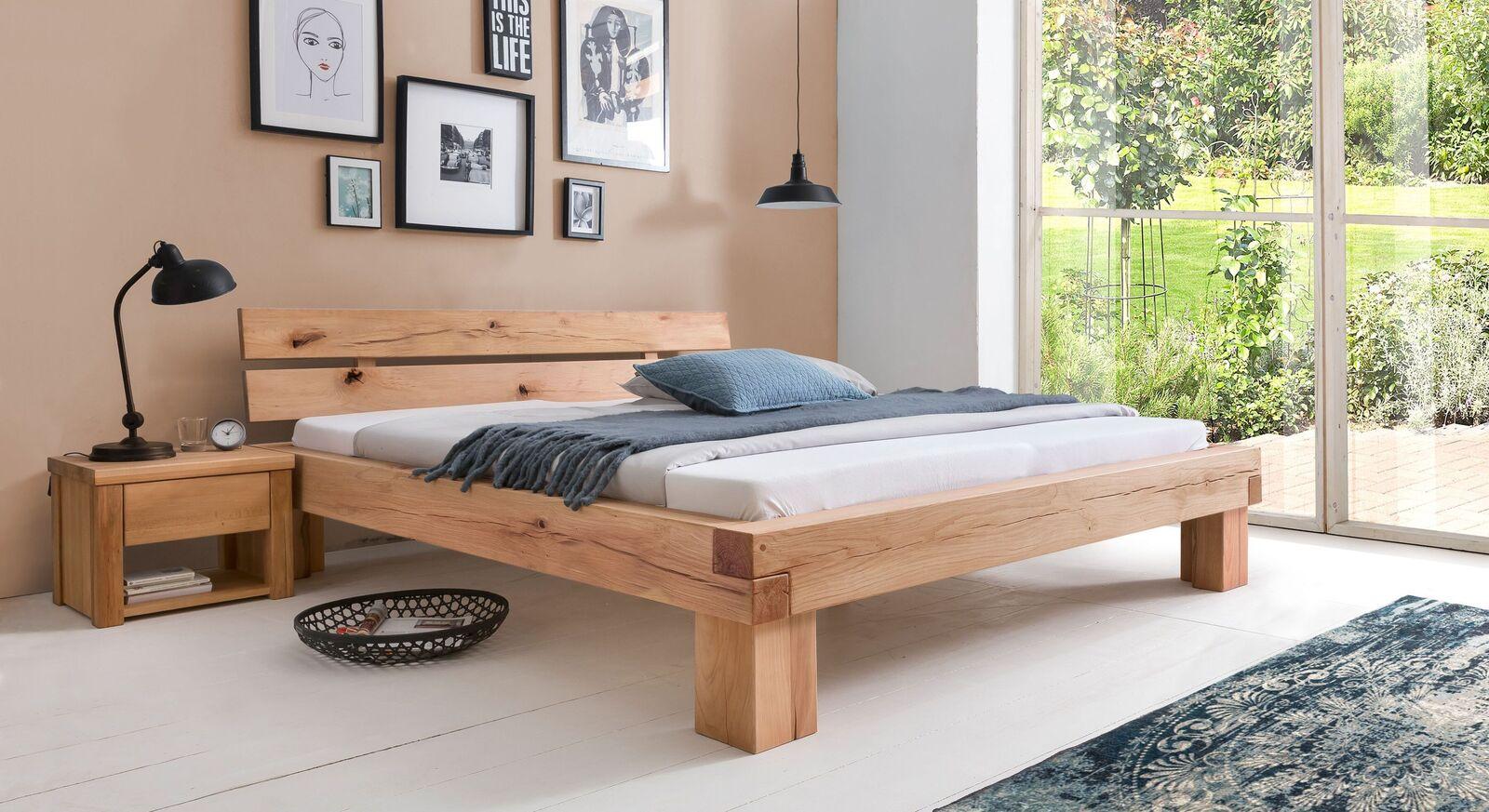 Bett Cunera mit passendem Nachttisch