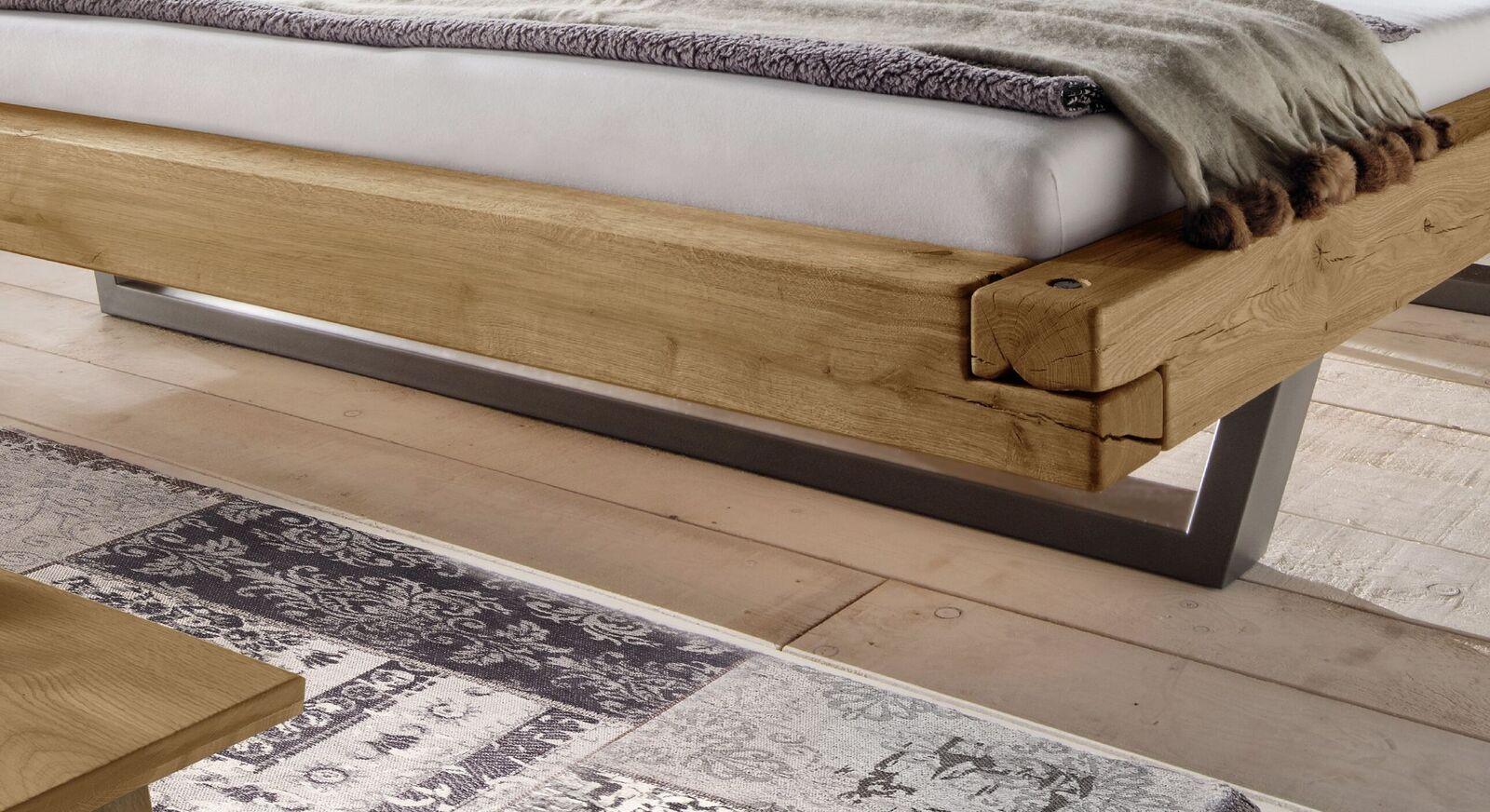 Bett Darica mit stylischen Stahl-Kufen