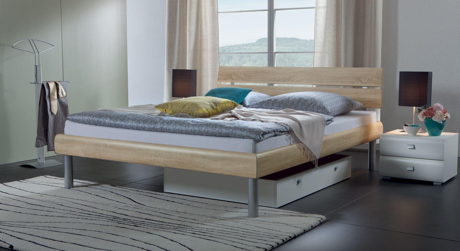 Bett Diego in Eiche mit Dekoroberfläche