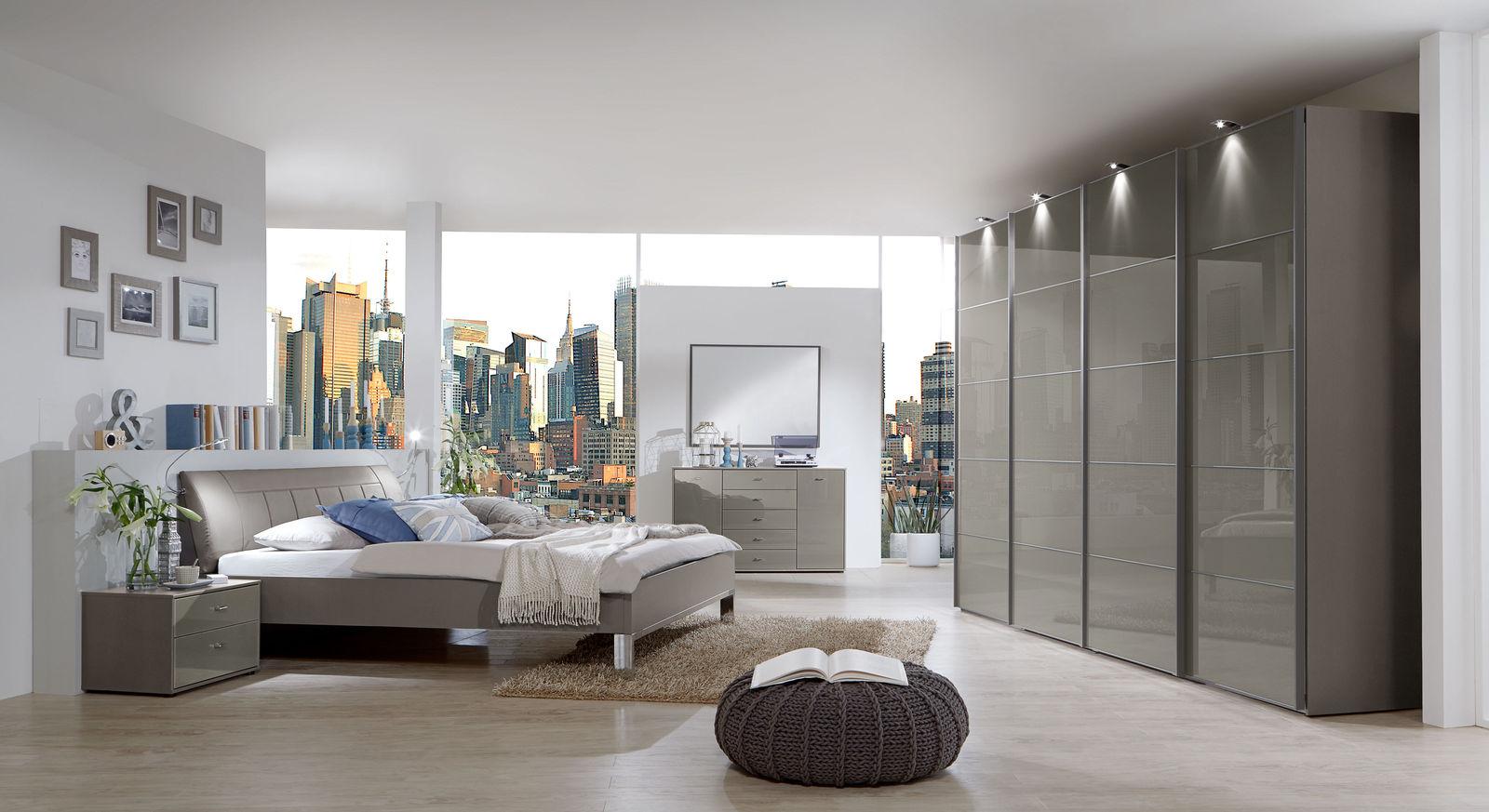 Modernes Schlafzimmer Dekor mit Schwebetürenschrank - Dilly