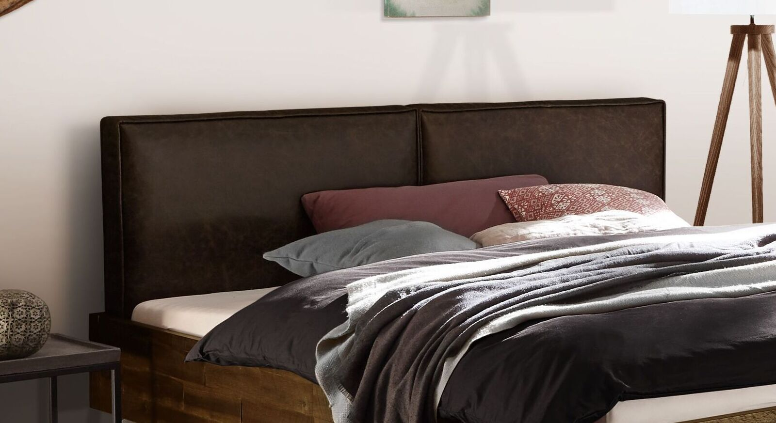 Bett Envigado mit Kunstleder-Kopfteil