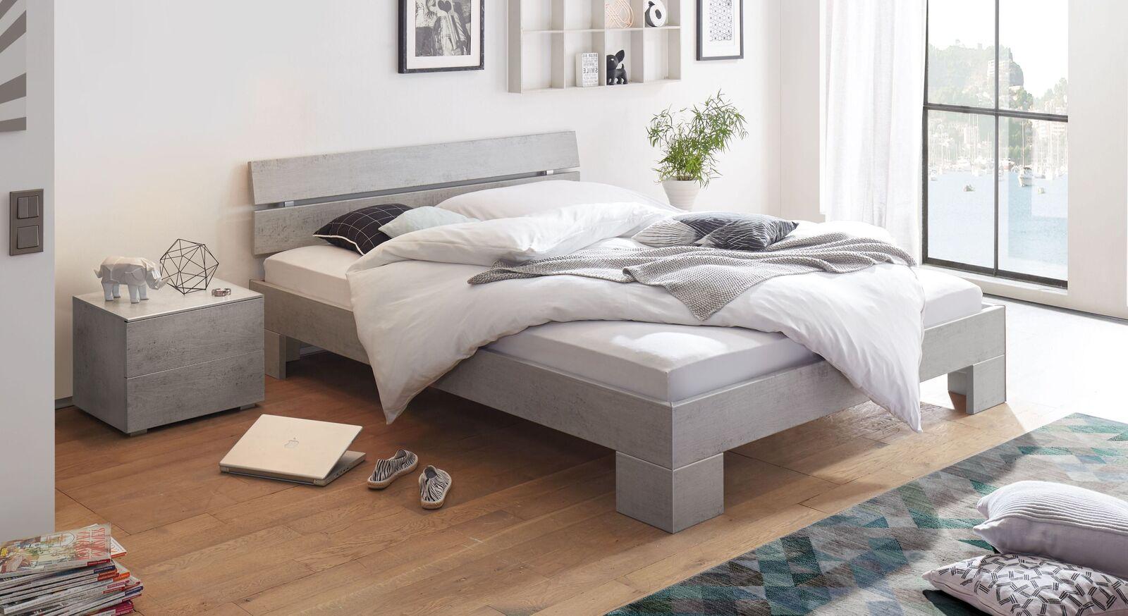 Bett Eris mit pflegeleichter Dekoroberfläche