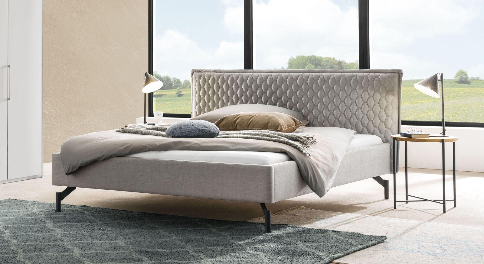 Bett Esko aus grauem Webstoff