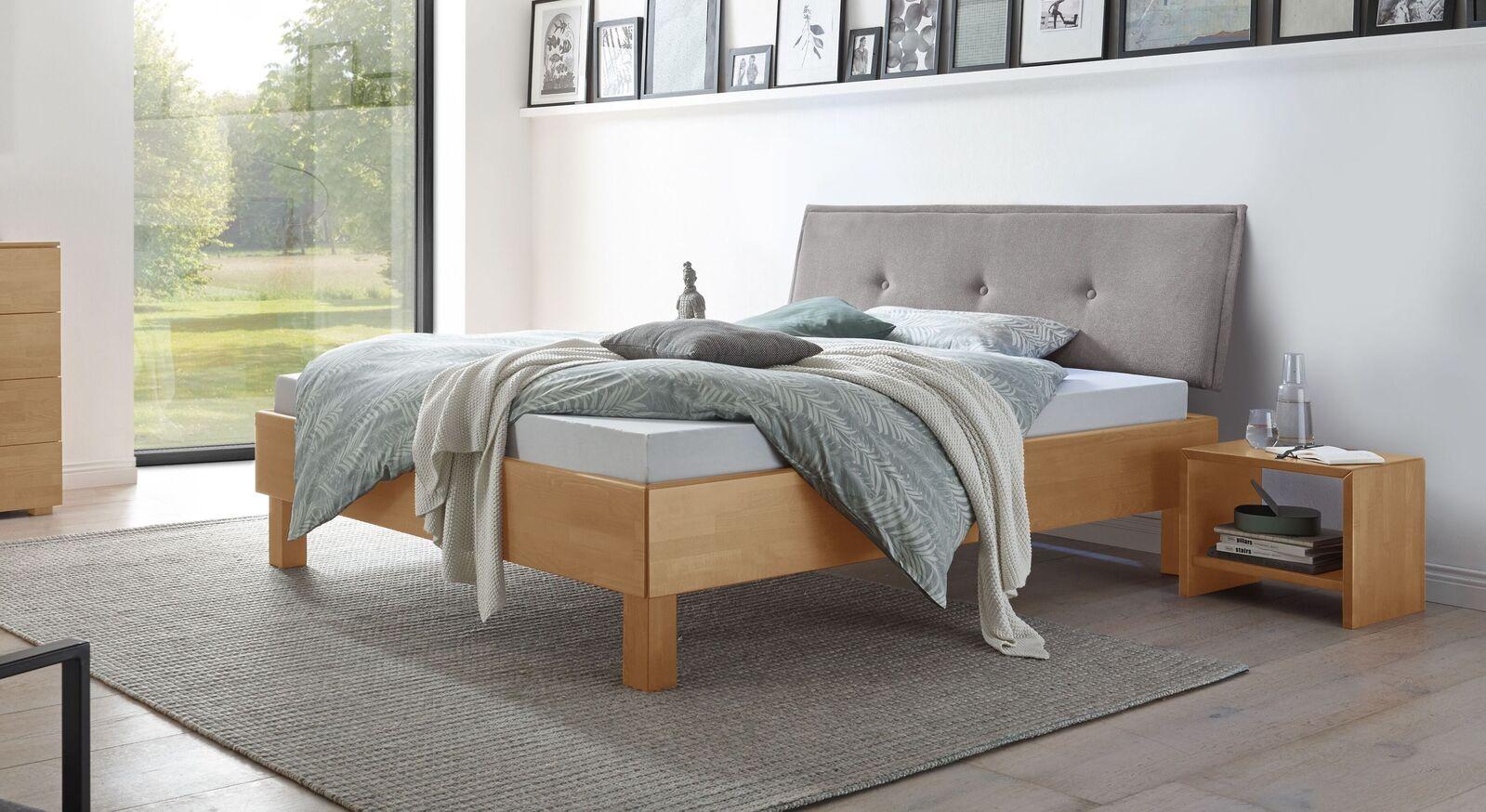 Bett Fenzlo aus natürlichem Buchenholz