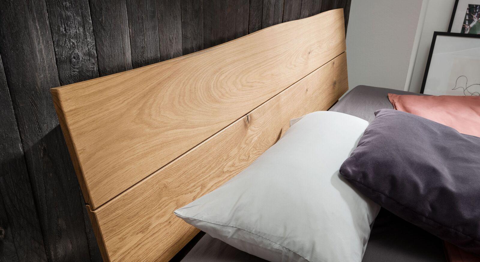 Bett Fillin Kopfteil mit natürlicher Baumkante