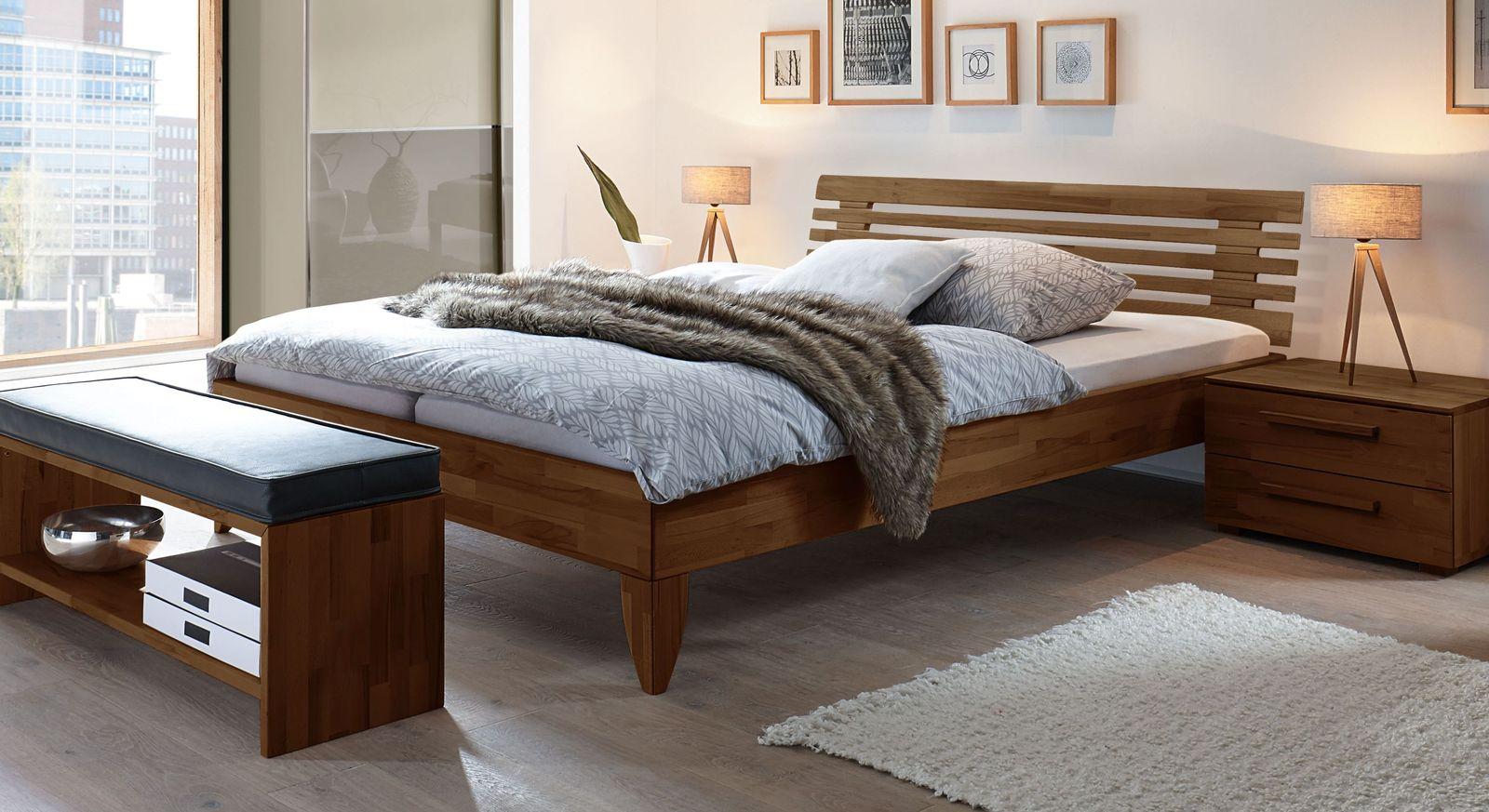 Nussbaumfarbenes Bett Fontana aus Buche
