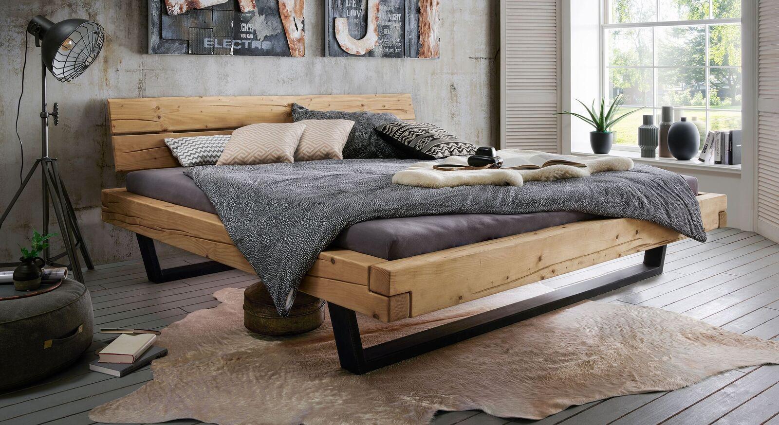Rustikales Bett Galja aus Fichtenholz