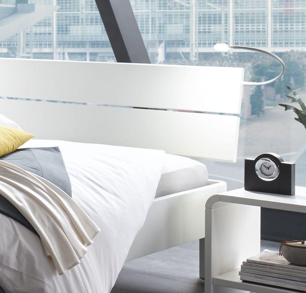 Bett aus weiß lackierter Buche mit Leistenkopfteil - Gamba