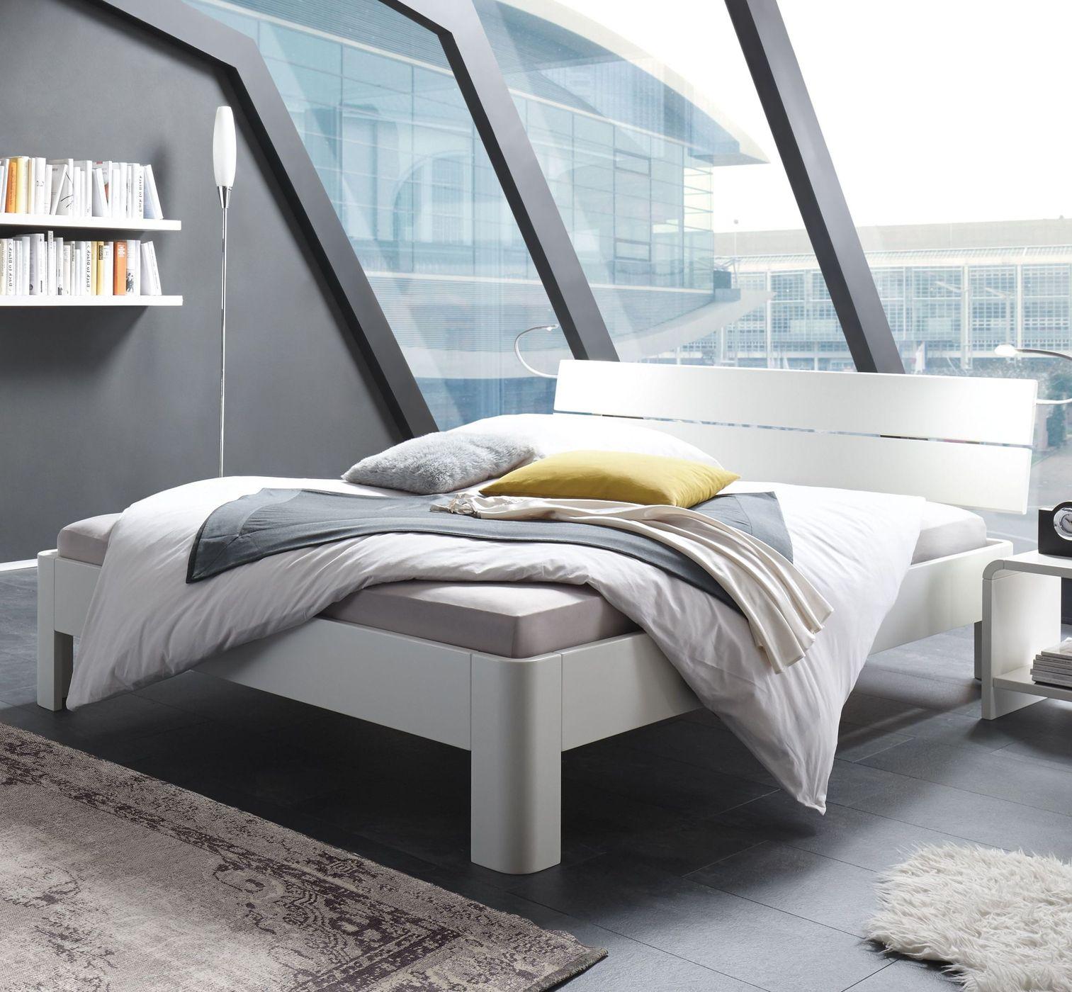bett aus wei lackierter buche mit leistenkopfteil gamba. Black Bedroom Furniture Sets. Home Design Ideas