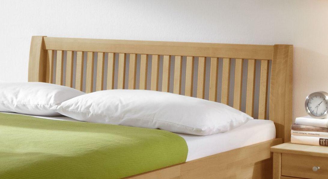 Bett Glarus mit ansprechendem Sprossen-Kopfteil