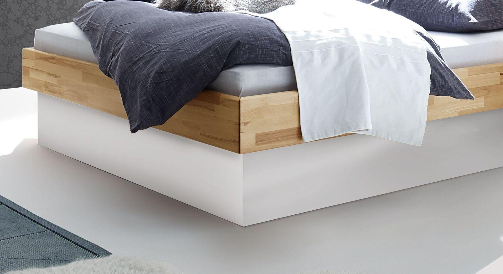 Bett Grosseto mit weißem MDF-Sockel