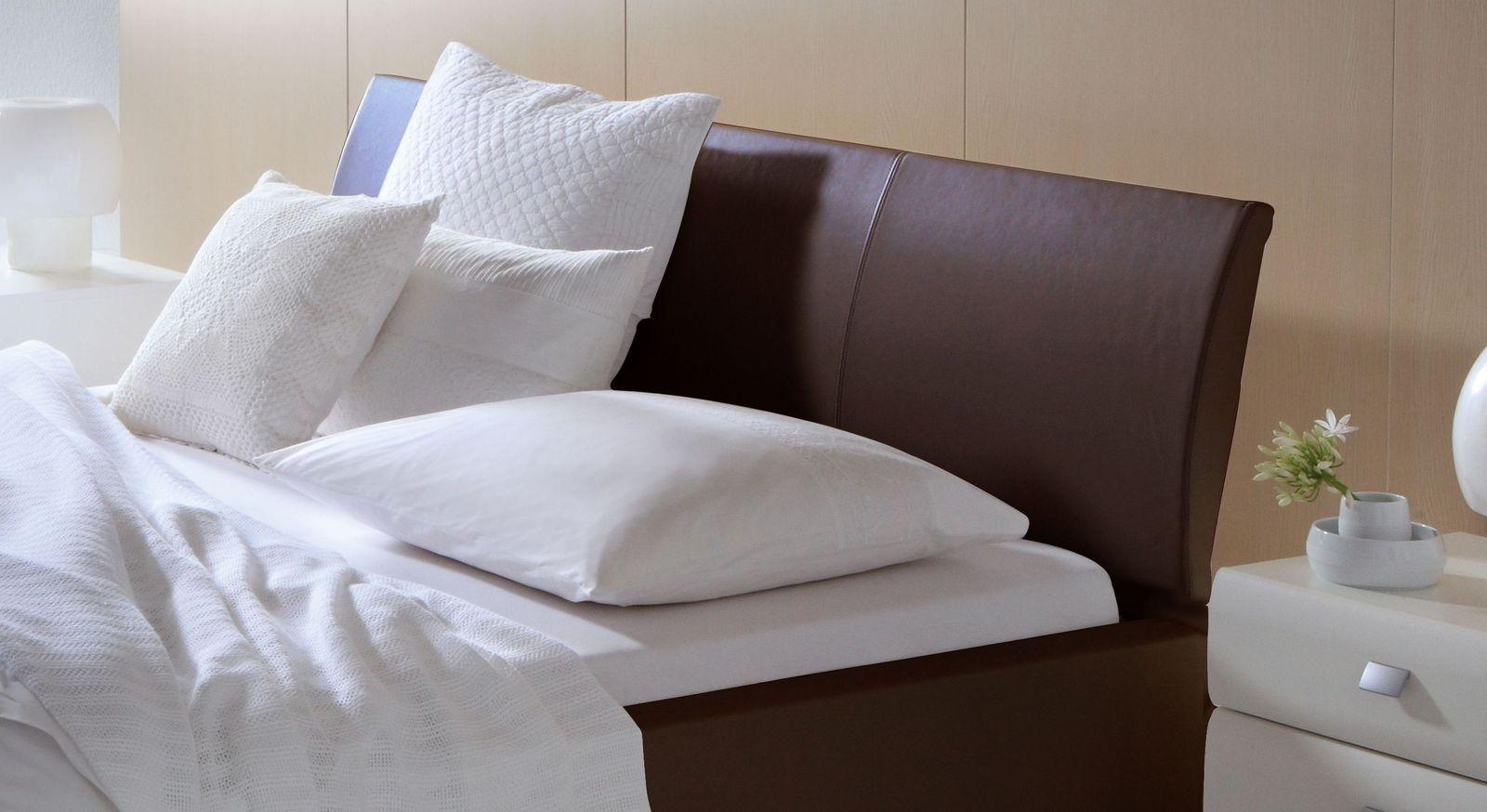 Bett Harmony mit bequem geneigtem Kopfteil