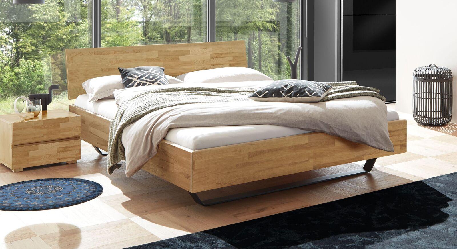 Bett Honoka aus attraktiv gemasertem Kernbuchenholz
