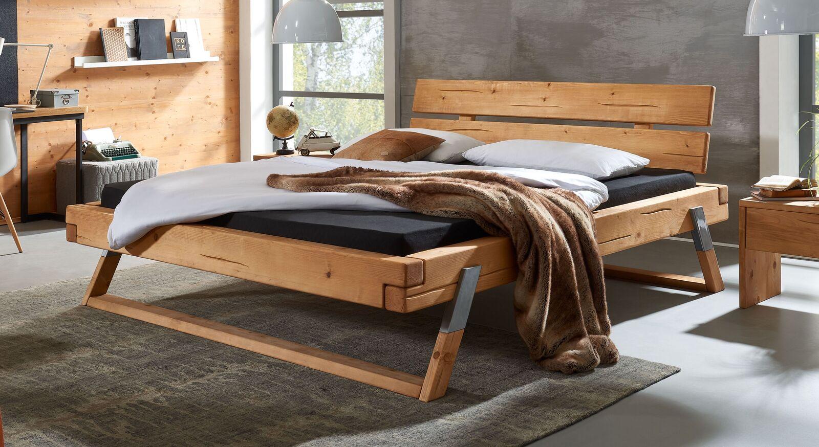 Bett Ikast aus massivem Fichtenholz