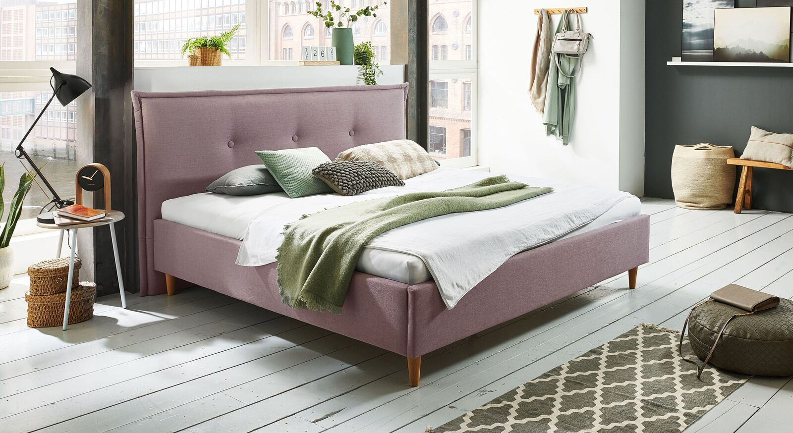 Bett Indore mit hochwertigem Webstoff in Flieder