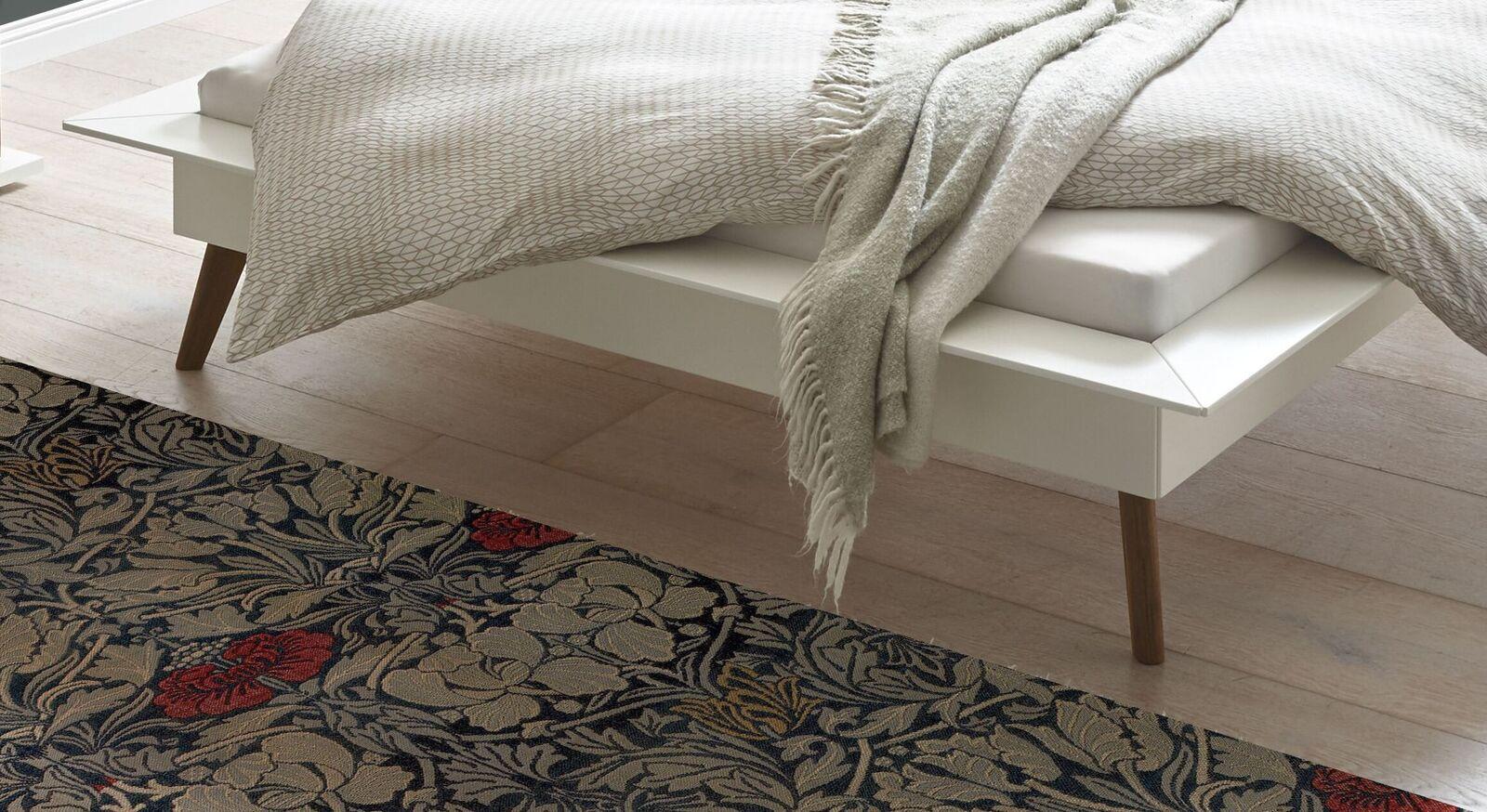 Bett Isonreos Füße aus Nussbaum