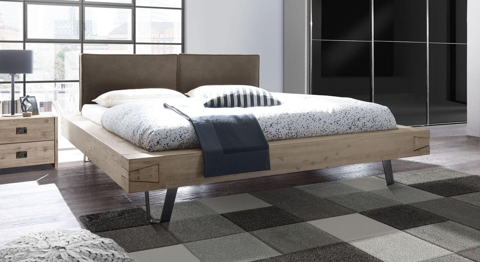 Modernes Bett Jaronia mit breitem Bettrahmen