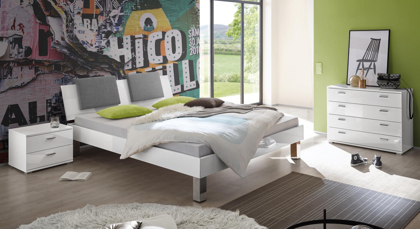 Bett Kamea mit passenden Beimöbeln