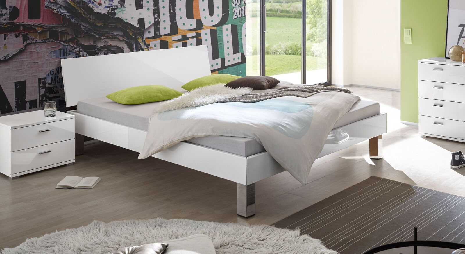 Zweifarbiges Bett Kamea mit Dekoroberfläche