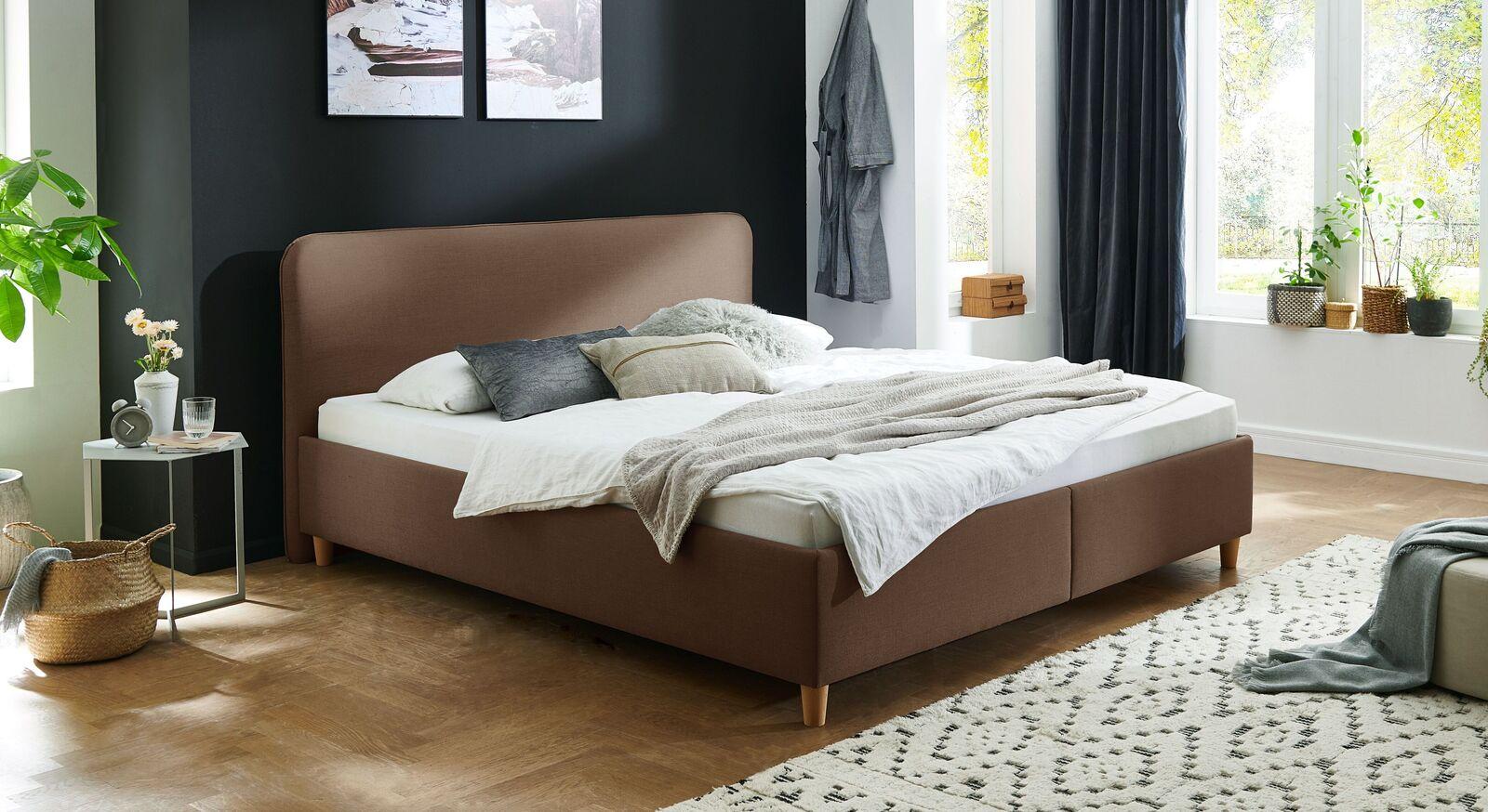 Bett Kannur mit hochwertigem Webstoff in Braun