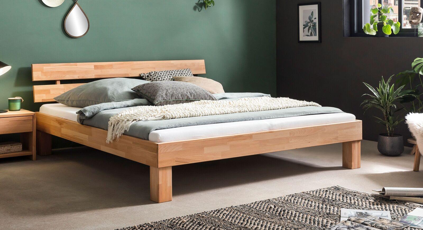 Klassisches Bett Kasseris aus Kernbuchenholz
