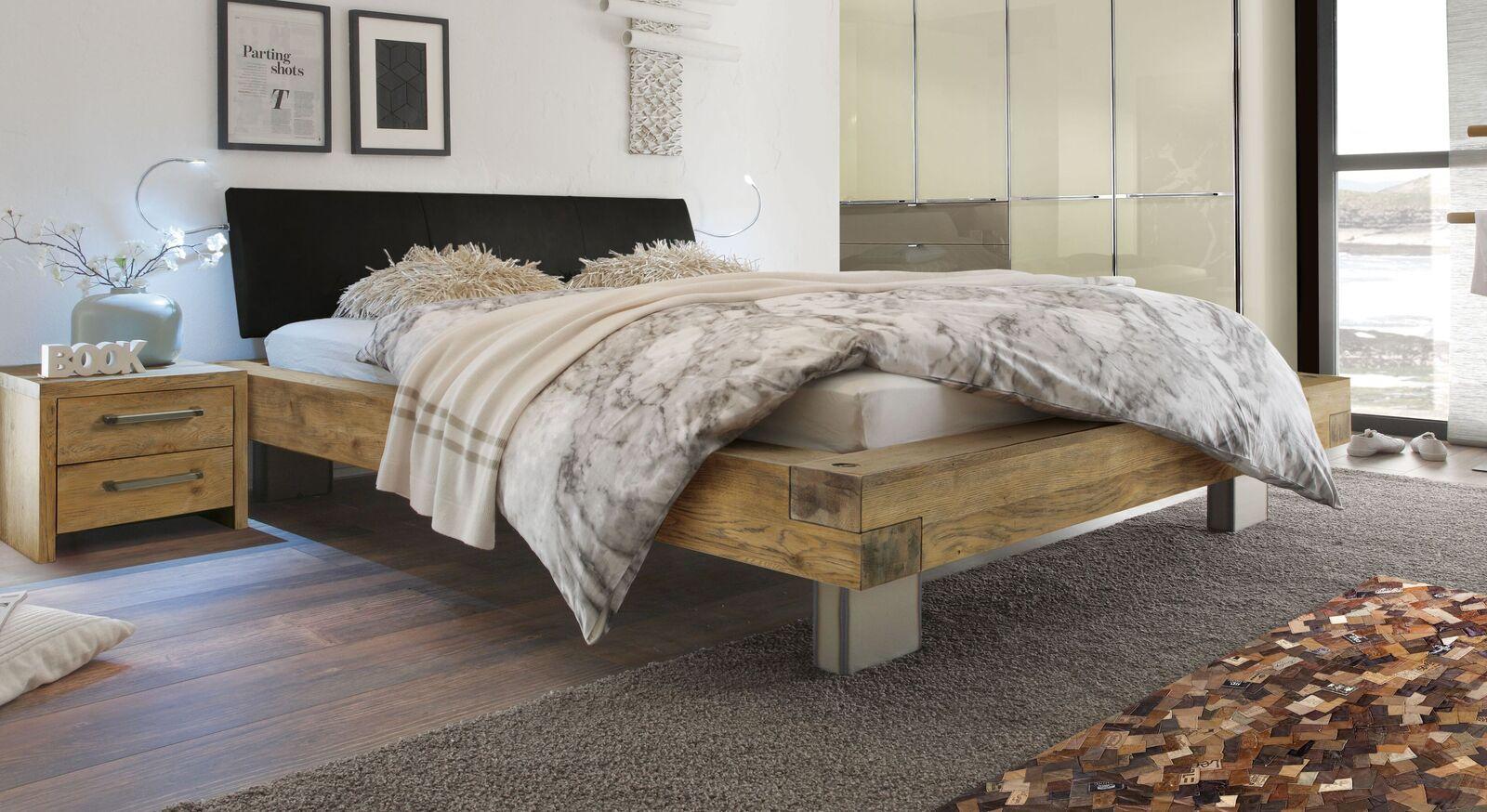 Modernes Bett Kolmar in stilvollem Materialmix