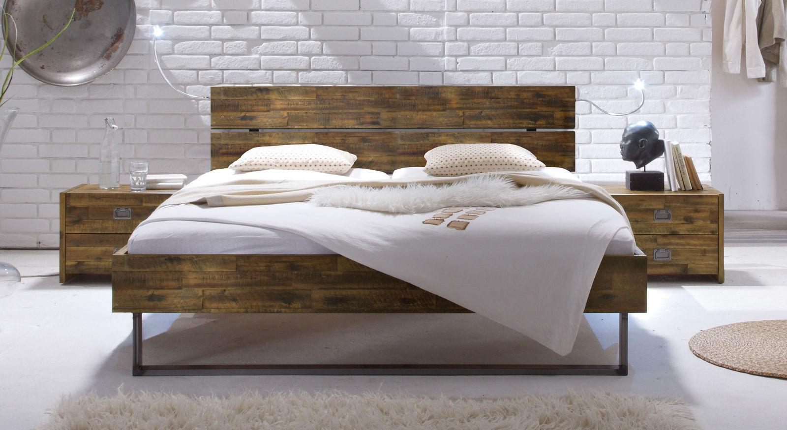Bett Konna aus brauner Akazie