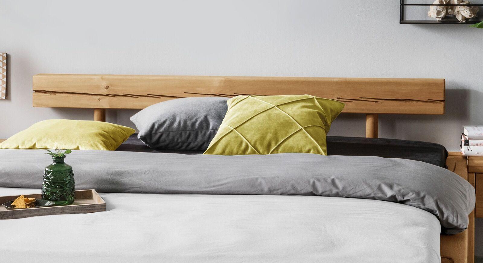 Bett Krista mit niedrigem Balkenkopfteil