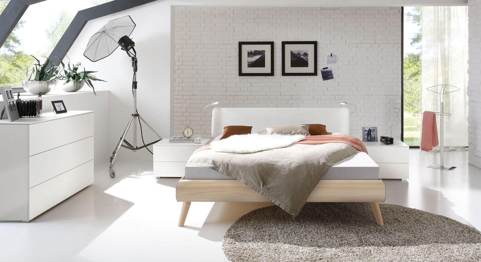 Bett Labrea mit passenden Schlafzimmermöbeln