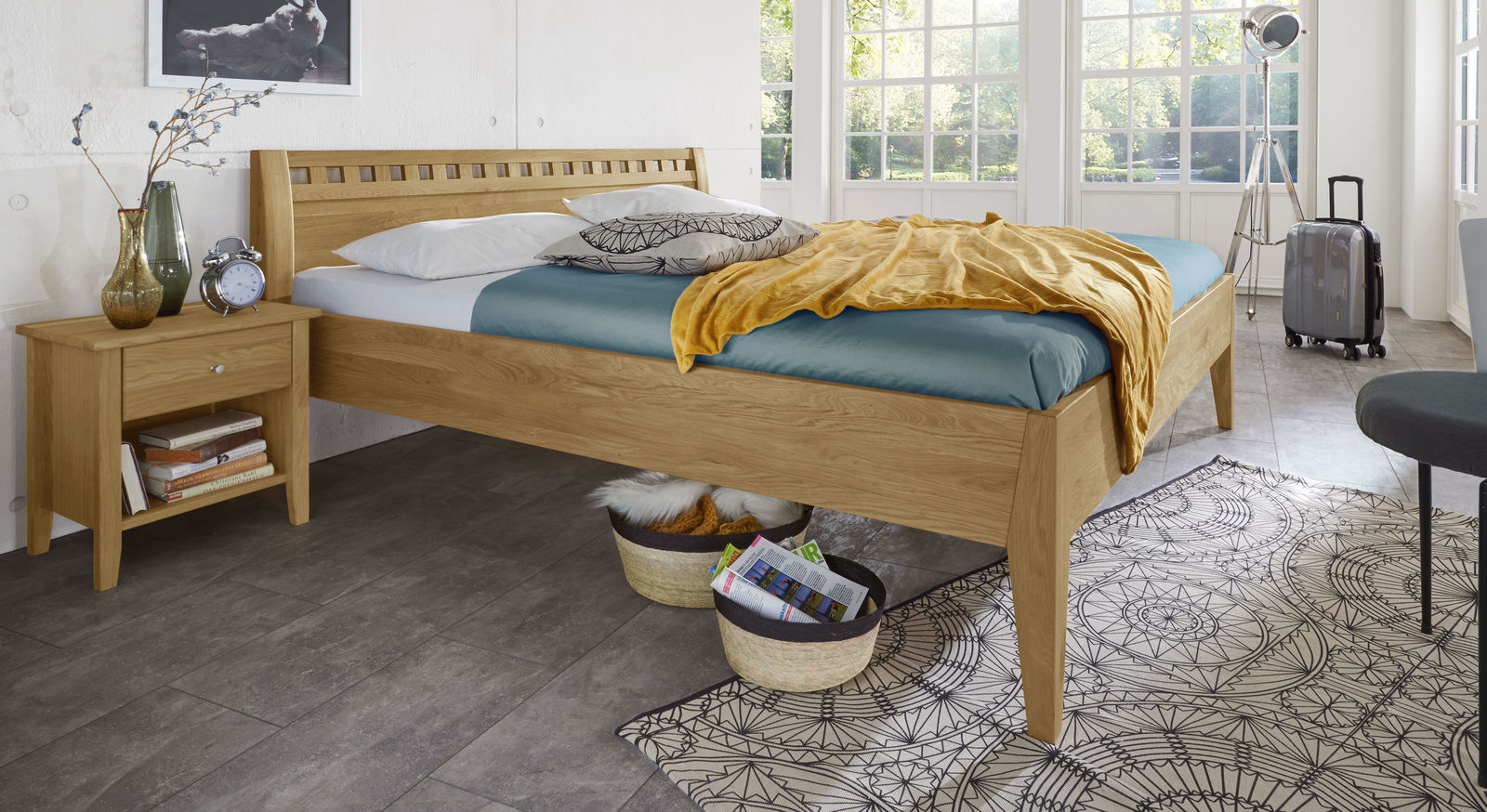 Wildeichen-Bett Lancy aus natürlichem Massivholz