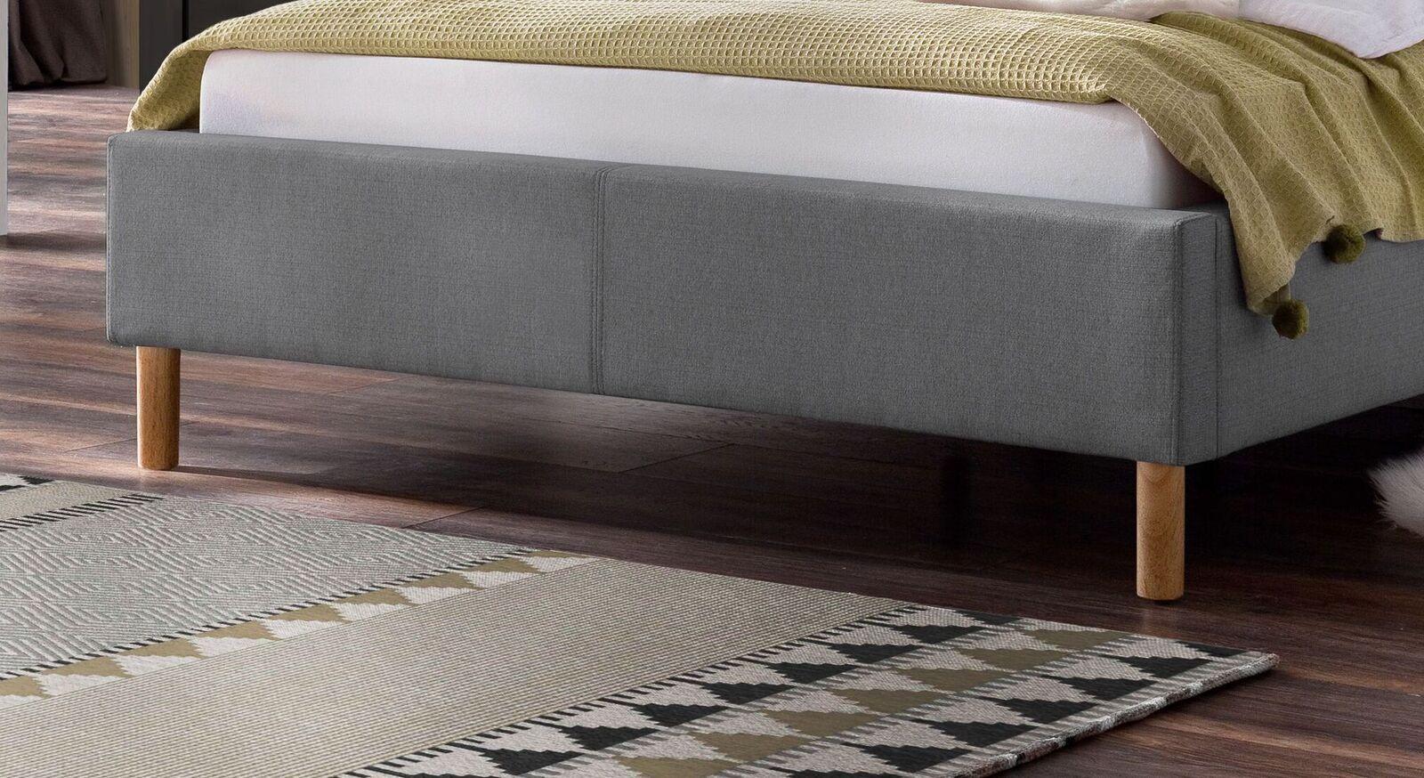 Bett Lemin mit runden Massivholz-Bettbeinen