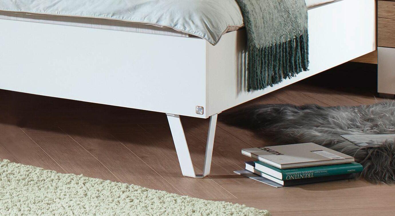 Bett Leona mit eleganten Metall-Füßen