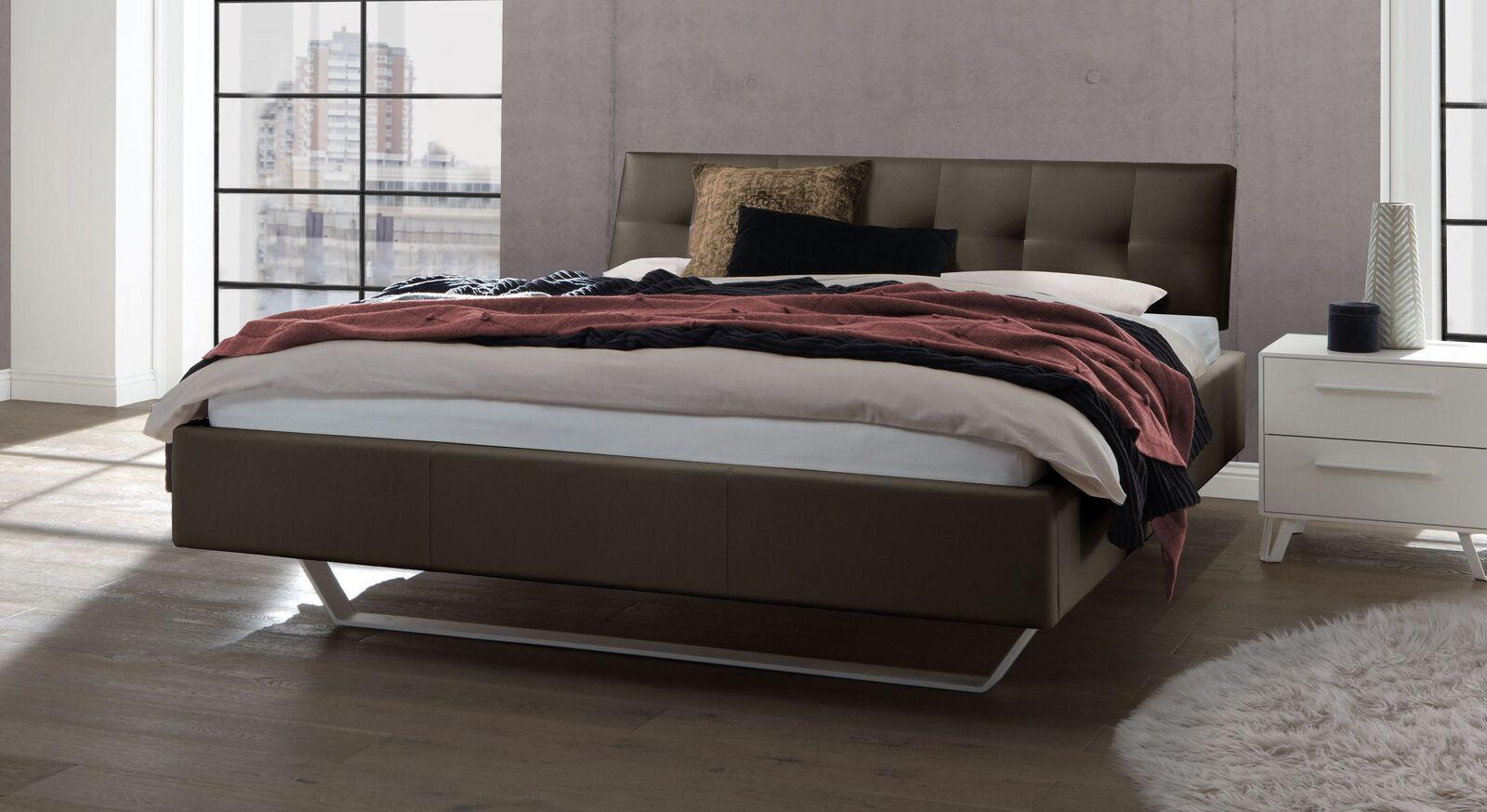 Bett Liene aus Echtleder in Khaki