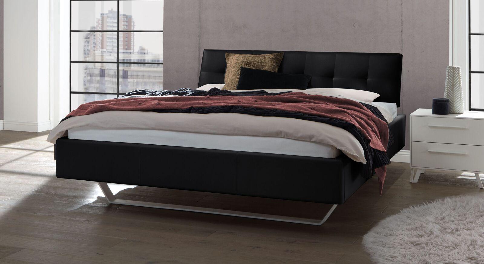 Bett Liene aus Echtleder in Schwarz
