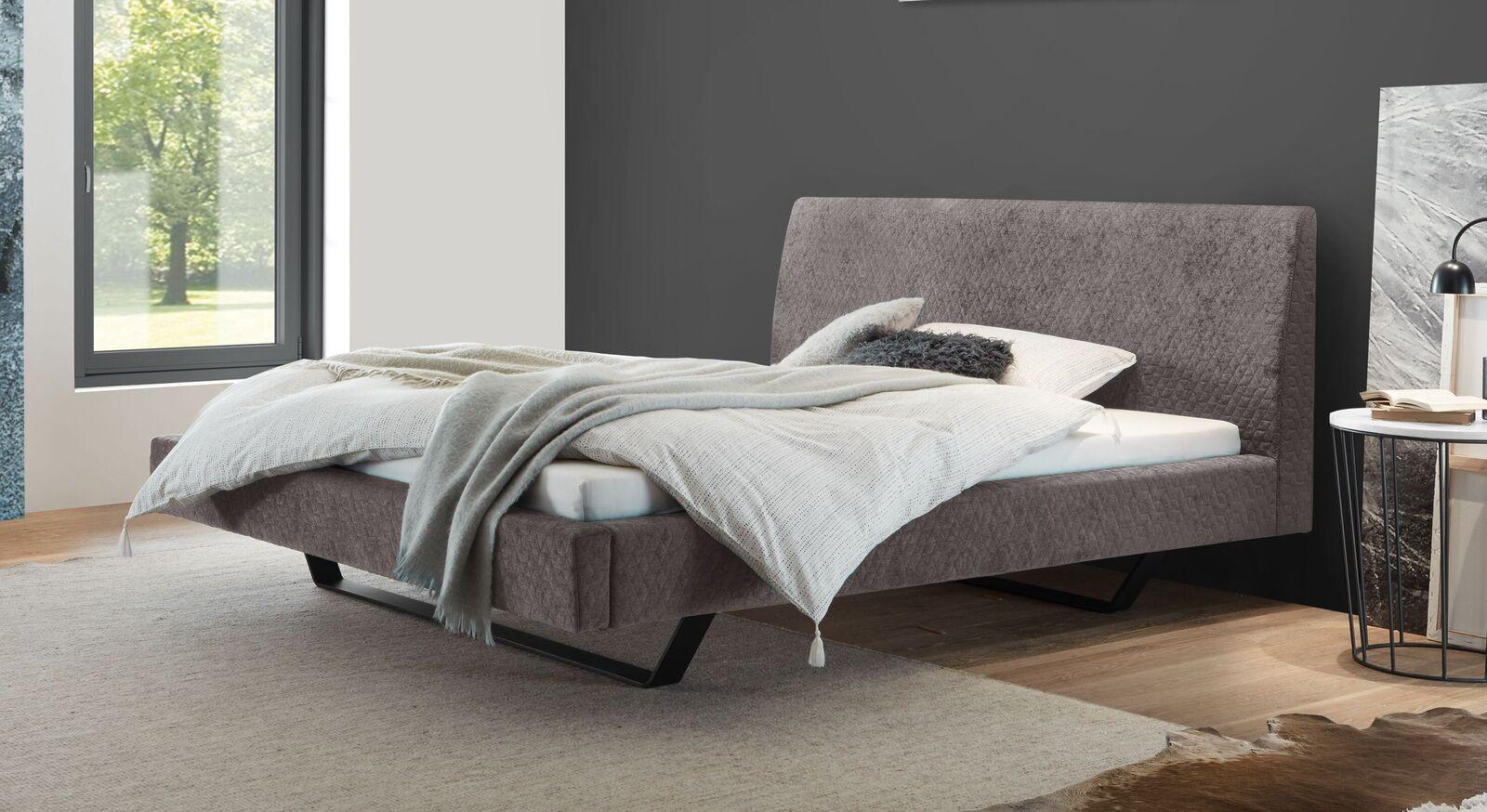 Trendiges Design-Bett Linatro