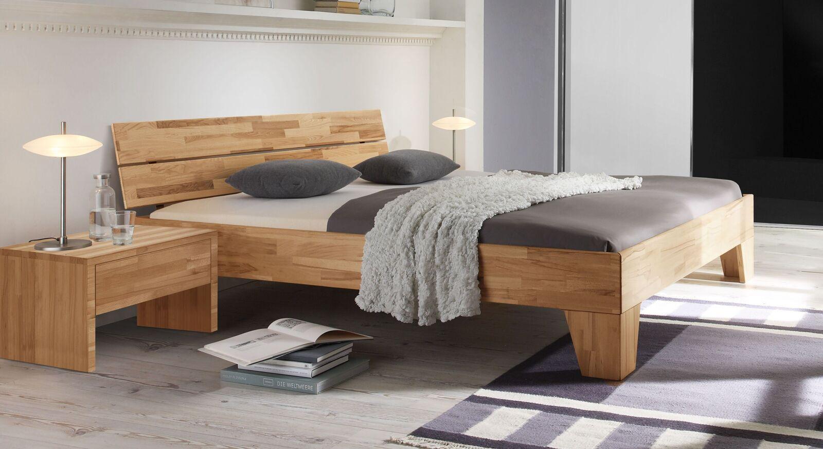 Bett Louvera aus Kernbuche-Massivholz