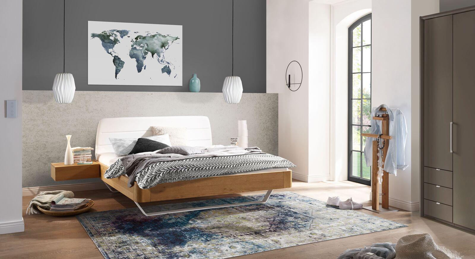 Bett Mancasso mit passender Schlafzimmer-Ausstattung