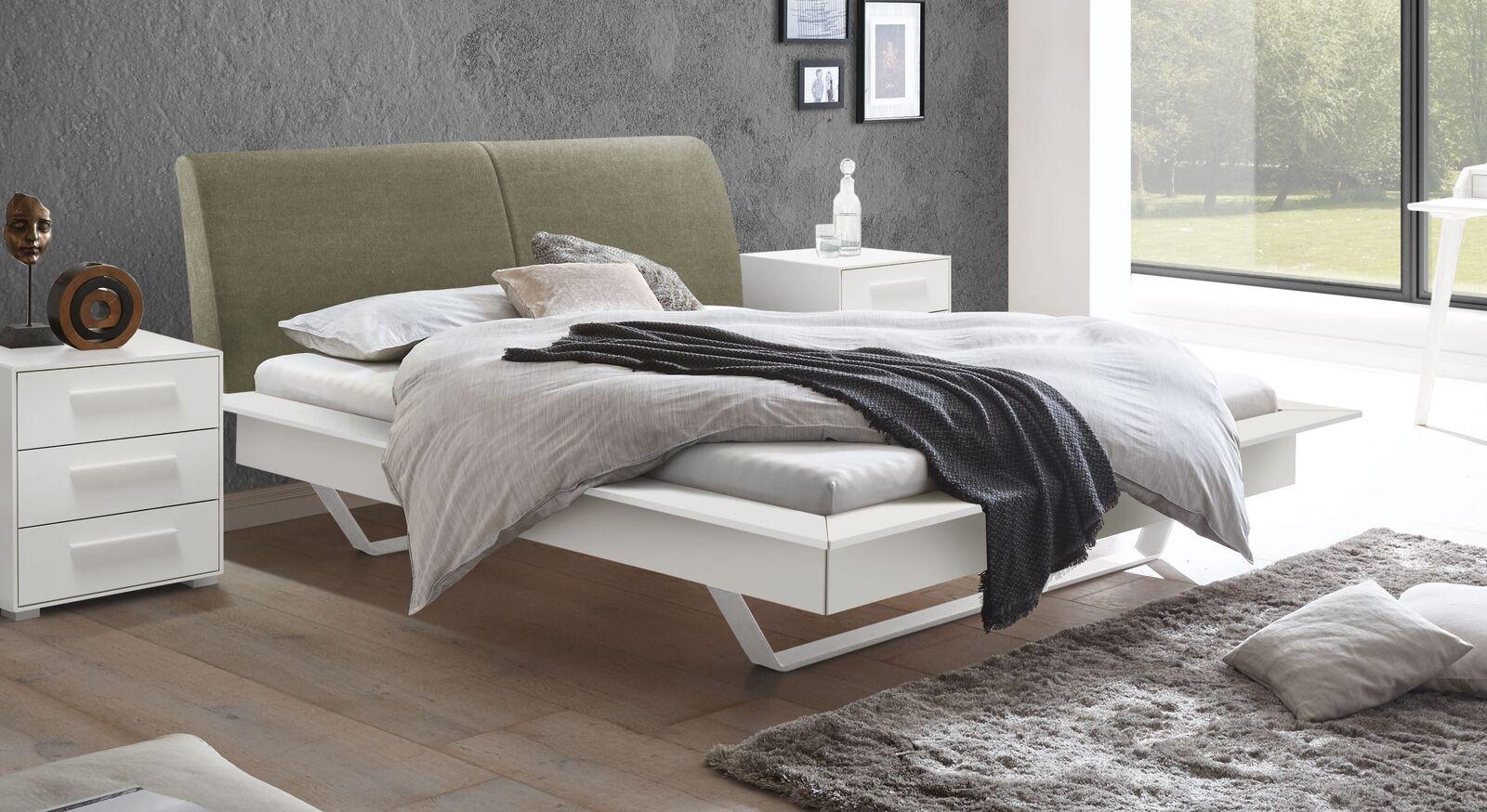 Modernes Bett Markia mit olivfarbenem Kopfteil