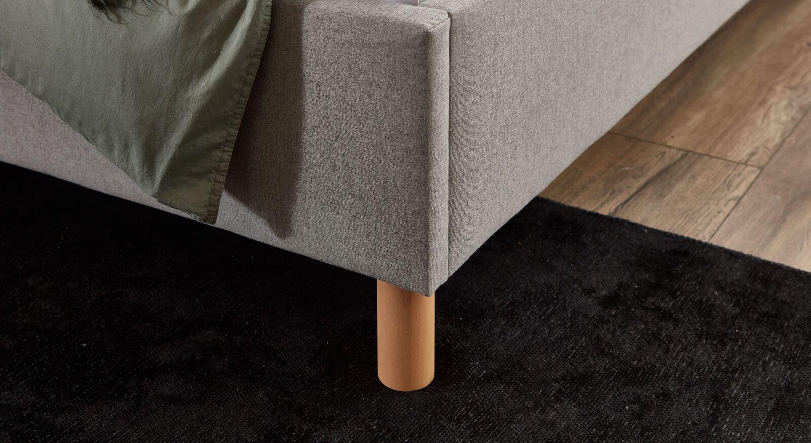Bett Medana Füße aus massivem Buchenholz