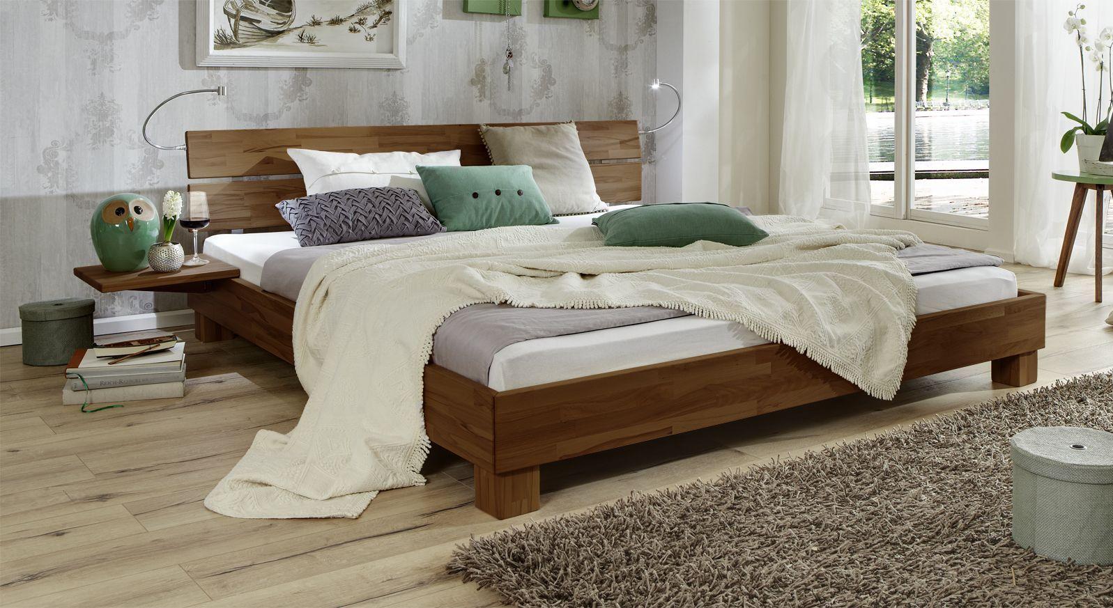 Bett Mera aus Massivholz in Buche nussbaumfarben