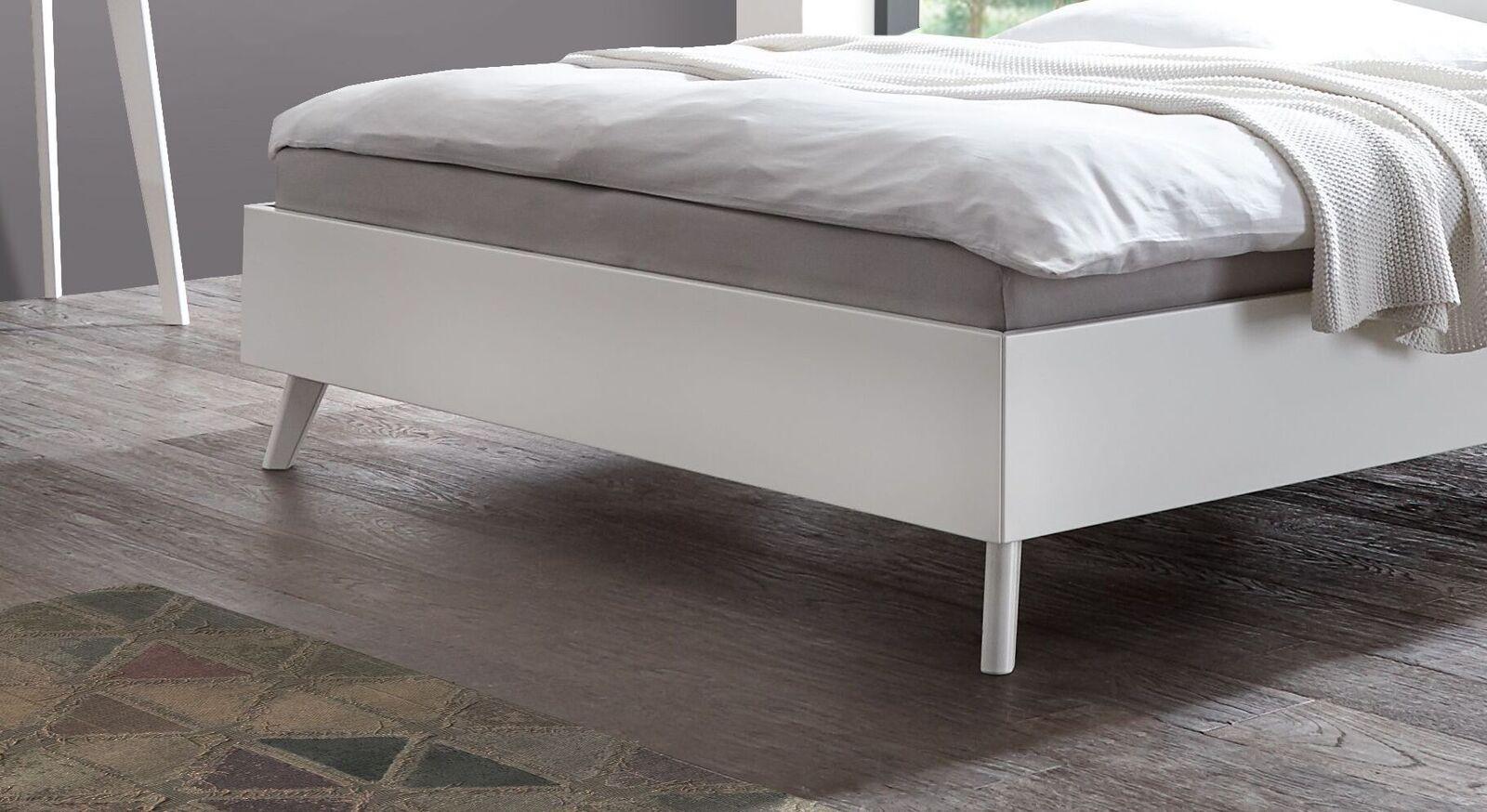 Bett Mintaka mit ausgestellten Füßen