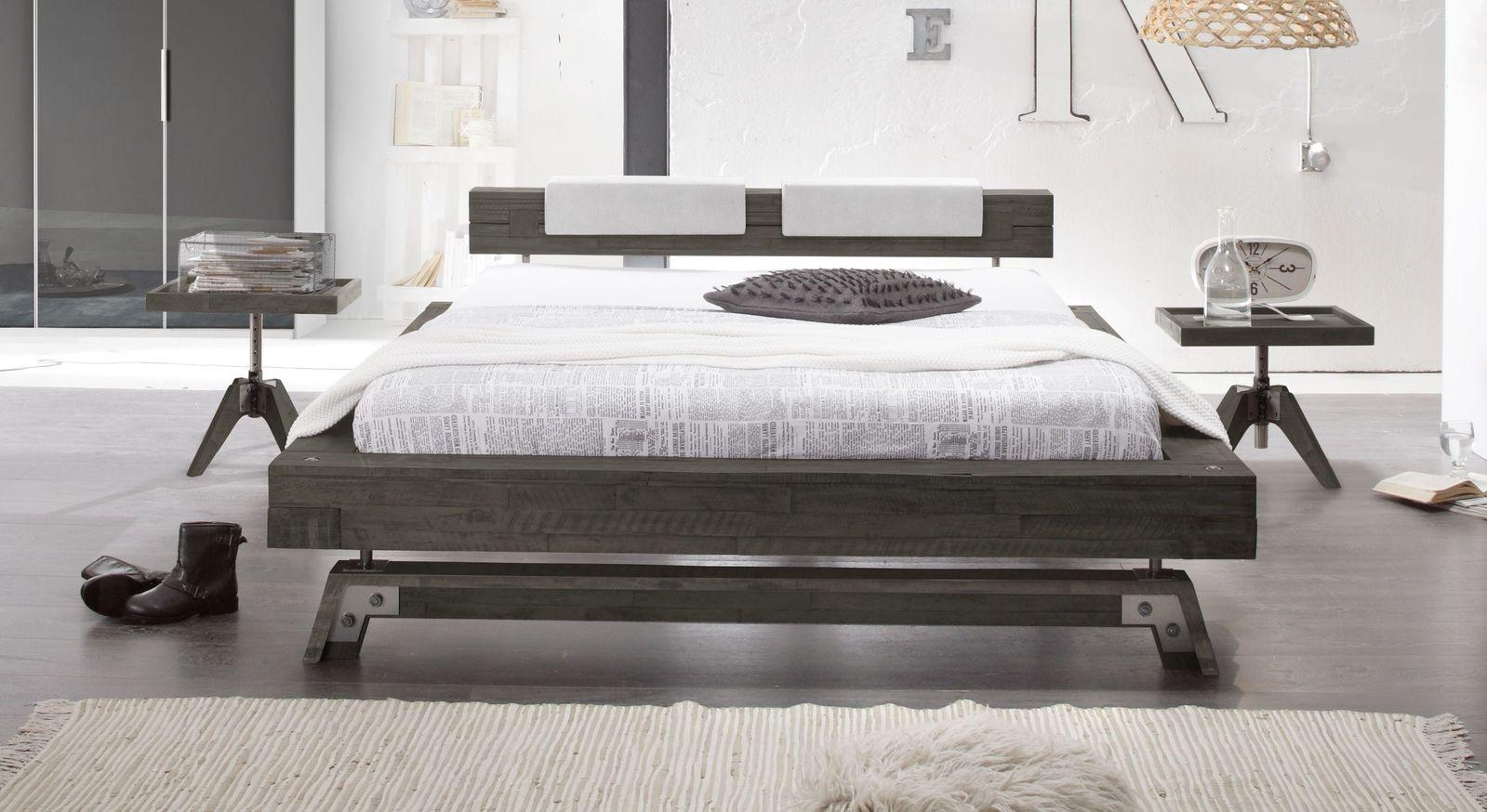 Bett Molina aus Akazie sägerau grau
