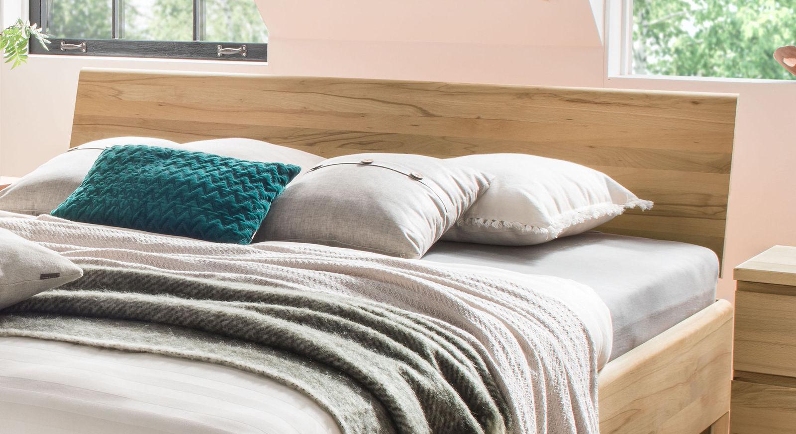 Bett Murau inklusive Kopfteil aus Massivholz
