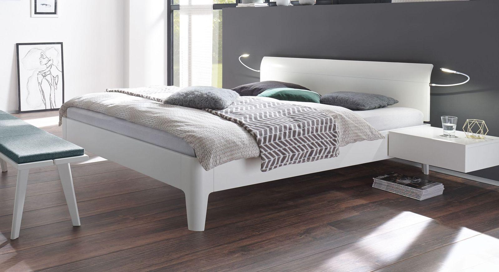 Modernes lackiertes Bett Narva in Weiß