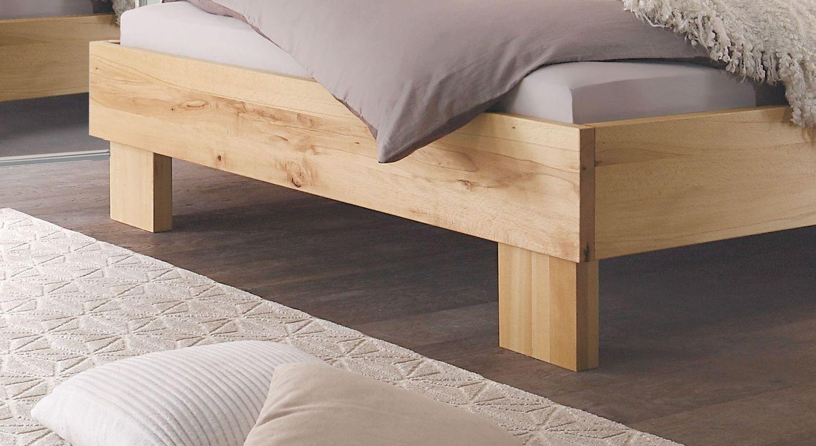 Hochwertiges Bett Nemea mit stabilen Füßen