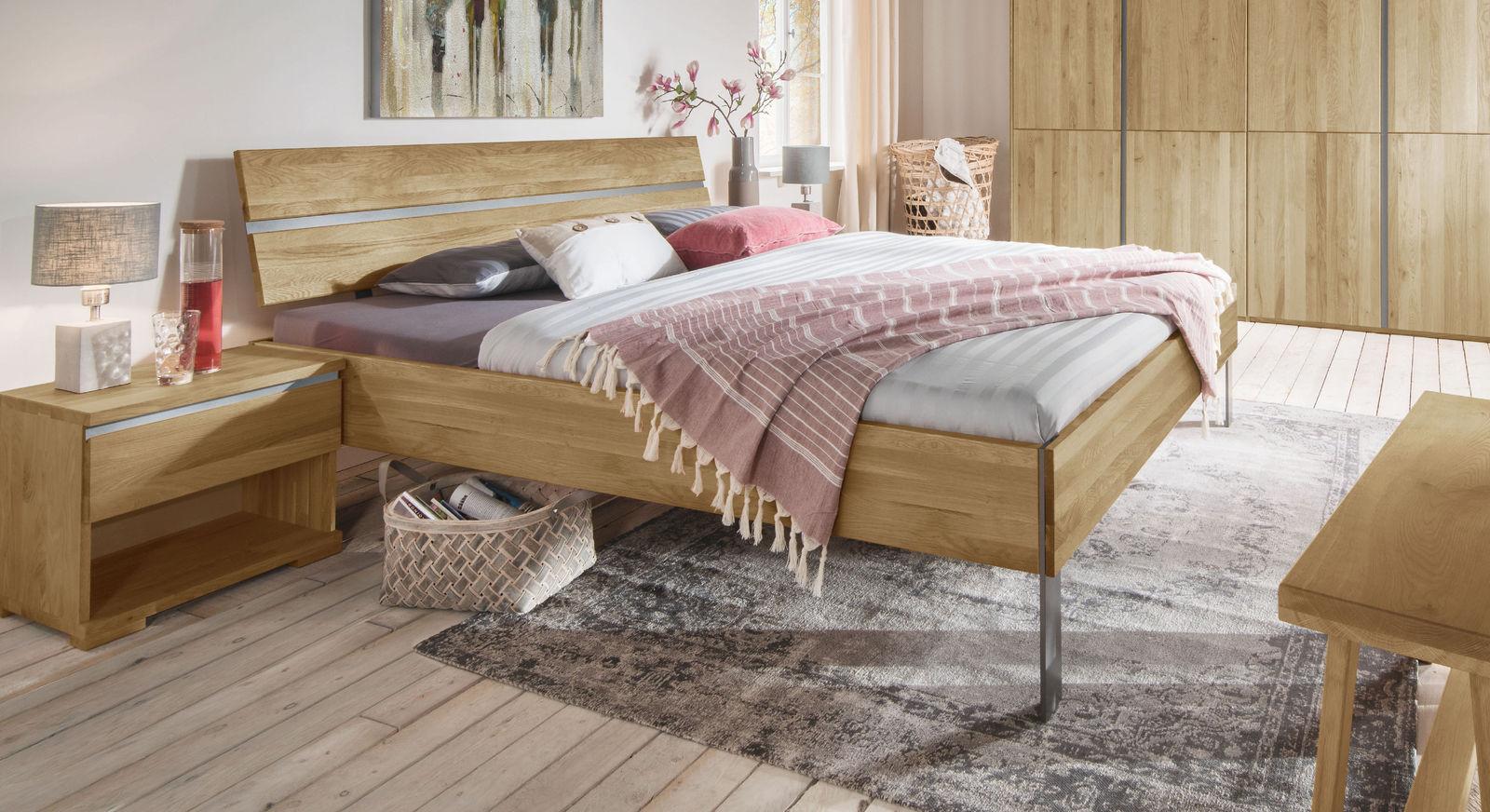 Massives Bett Nidau auch für Roll-Lattenroste geeignet