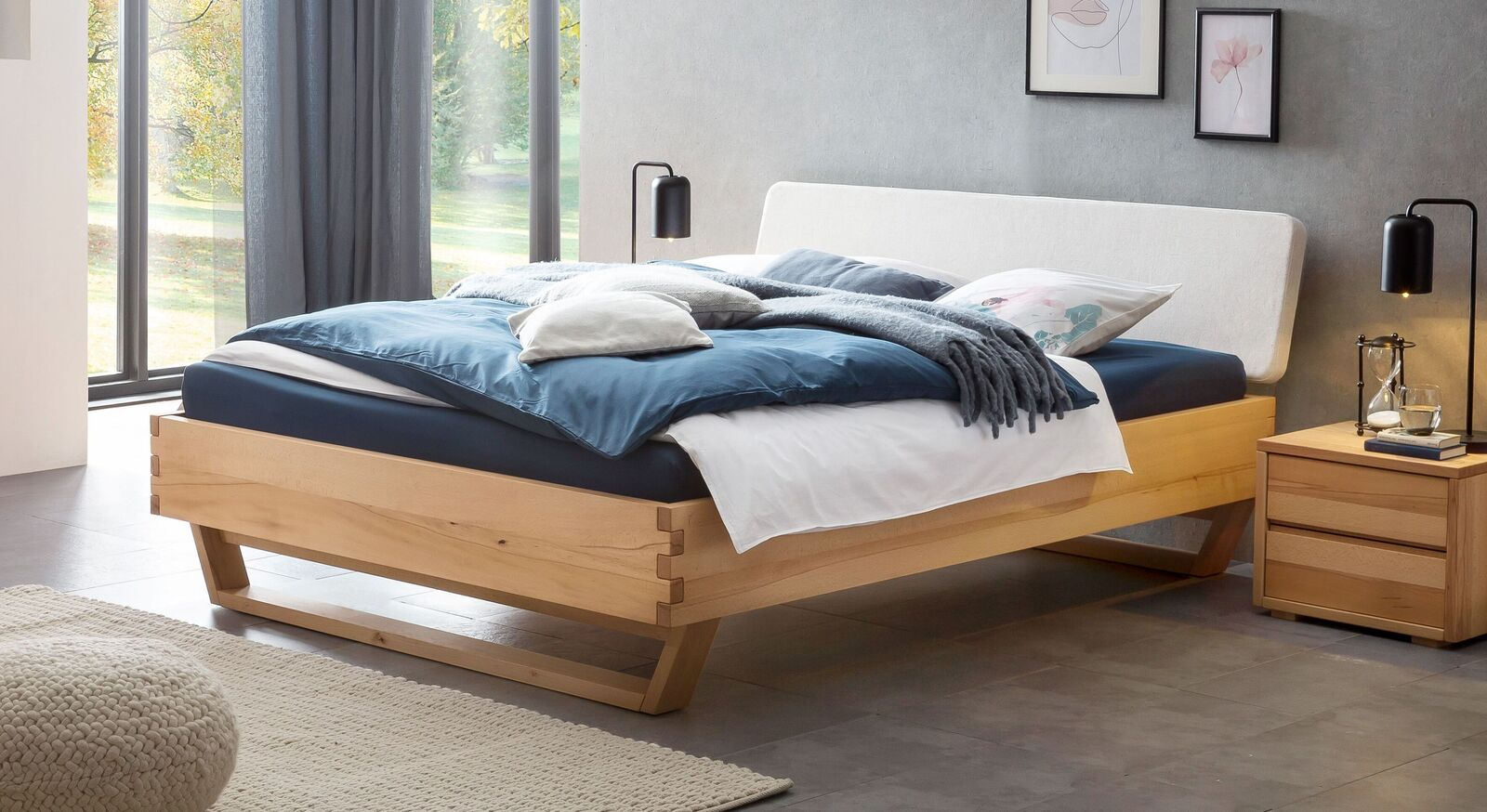 Robustes Bett Nikosia aus Wildbuche Natur